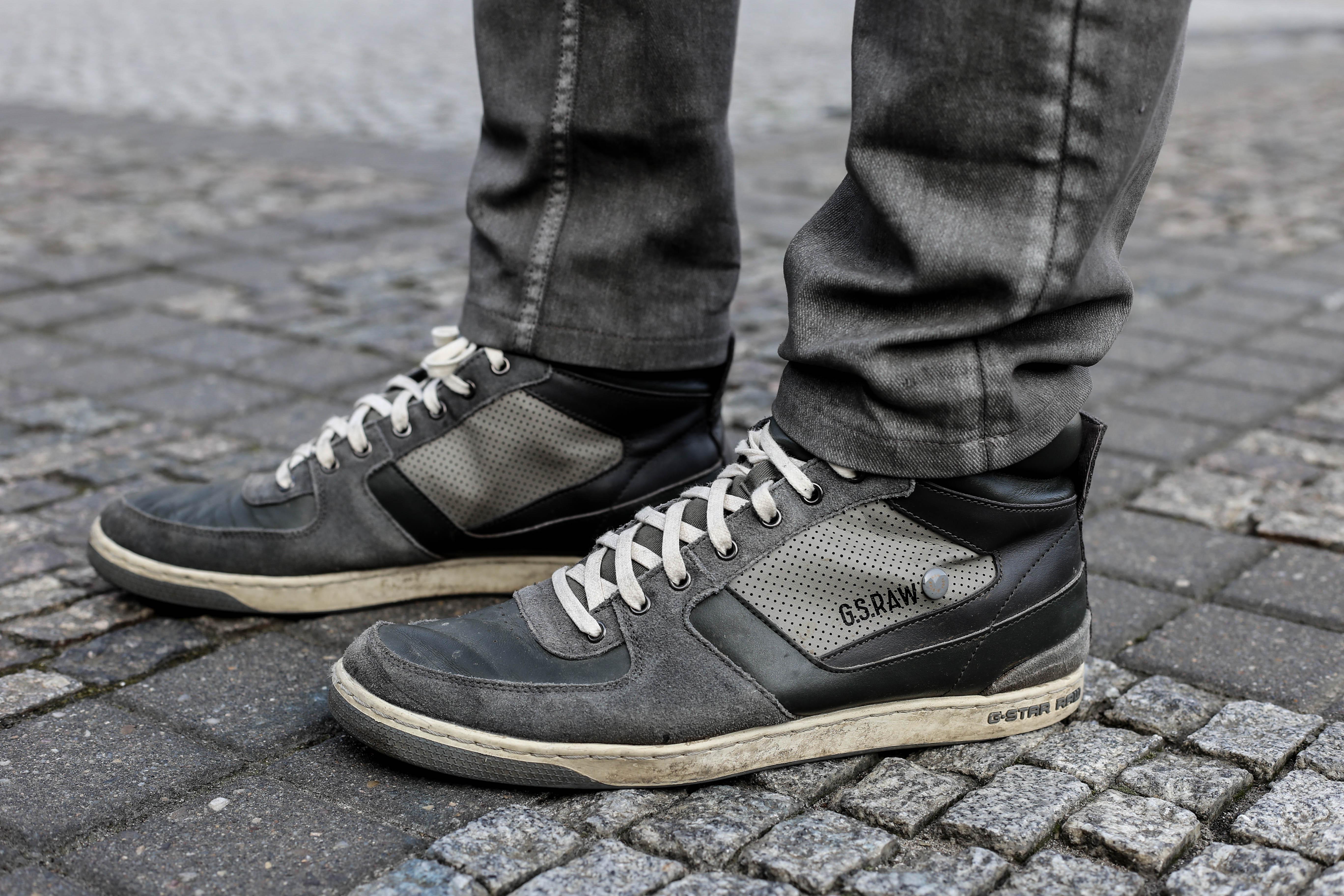 kariertes-hemd-maennerblog-fashionblog-berlin-outfit-graue-jeans_4121