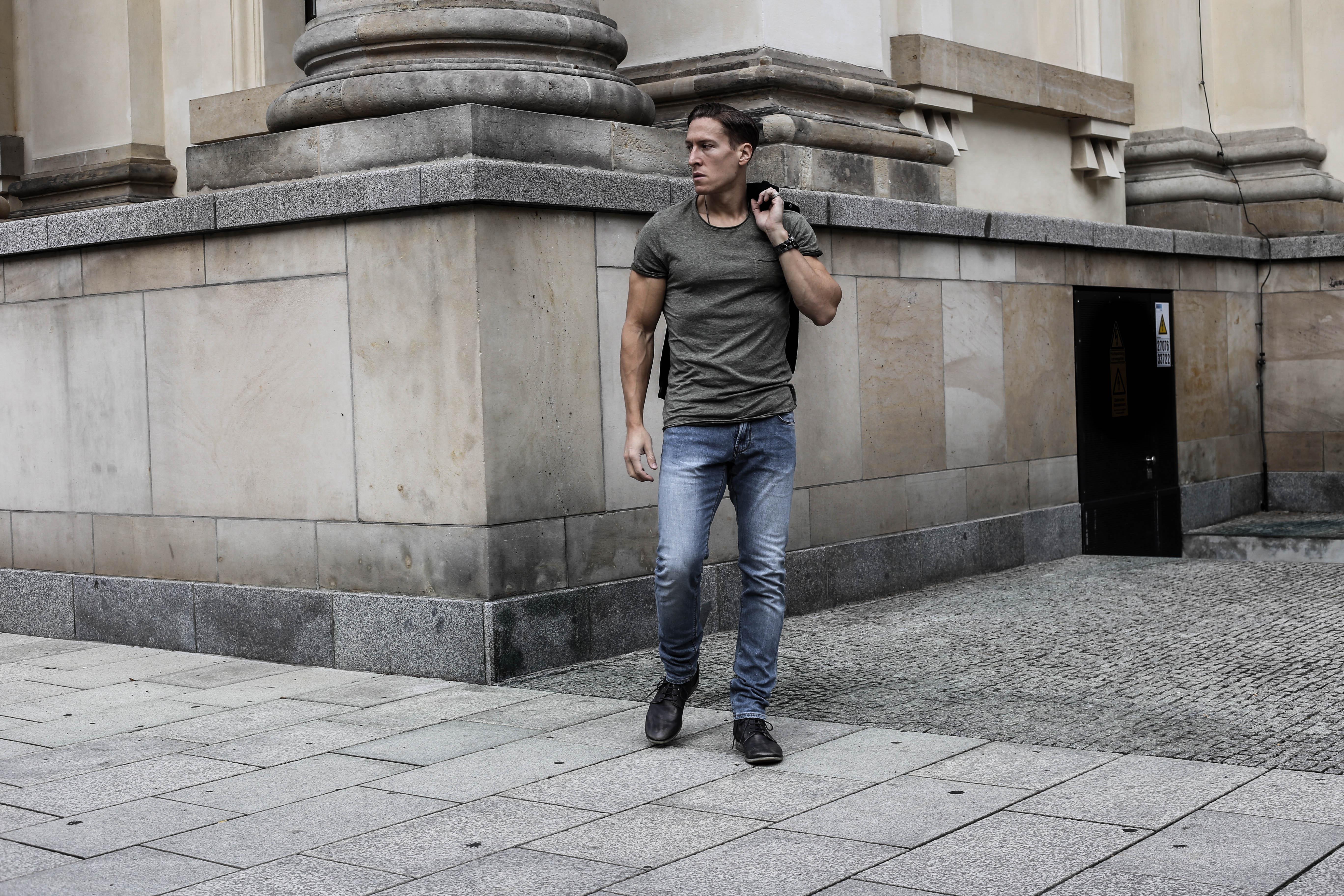 schwarze-jeansjacke-menfashion-streetstyle-maennerblog-fashionlook-outfit-casual-berlin_3690