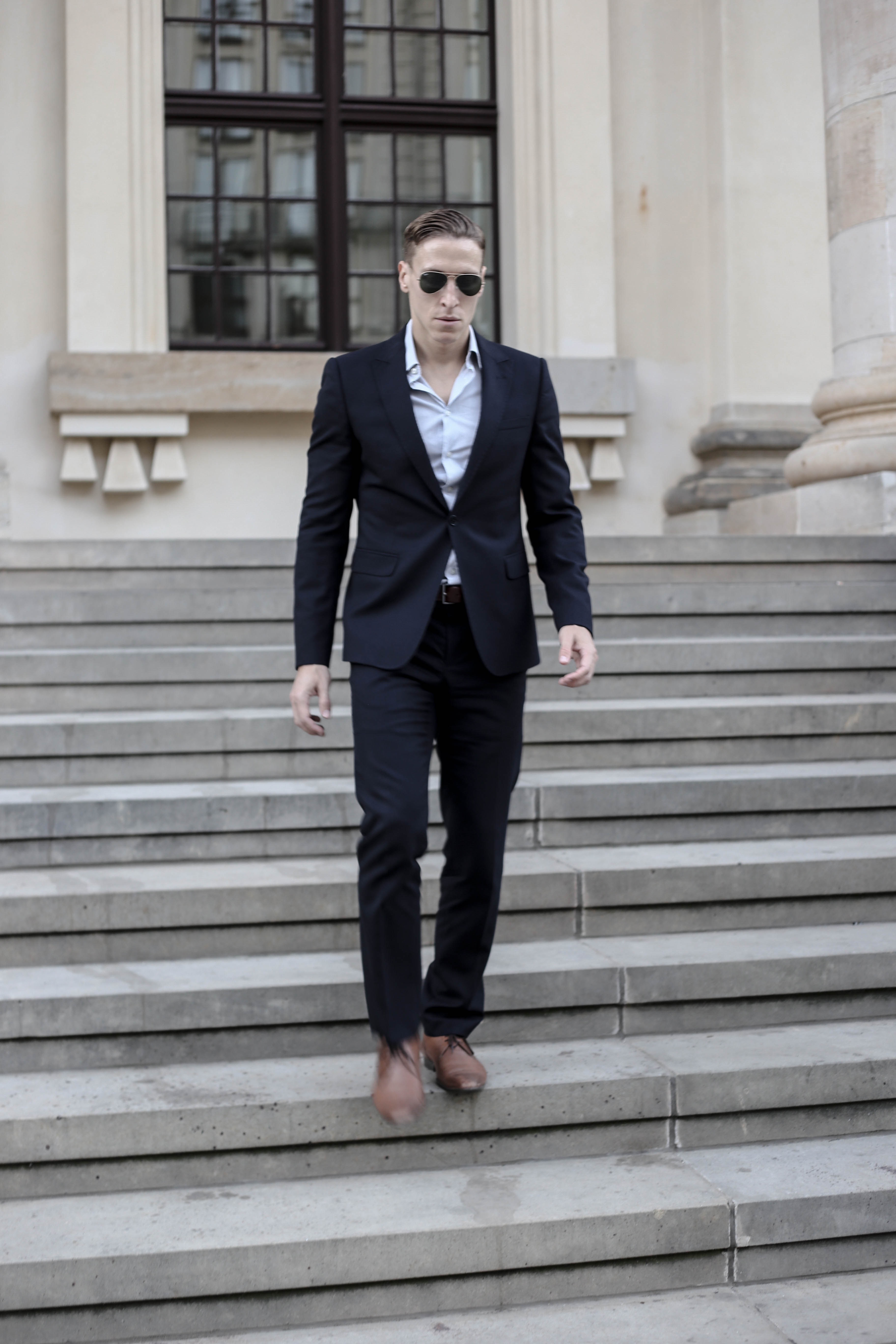 navy-blauer-armani-anzug-cognac-hugo-boss-schnuerer-business-look-menfashion-modeblog-berlin_2715