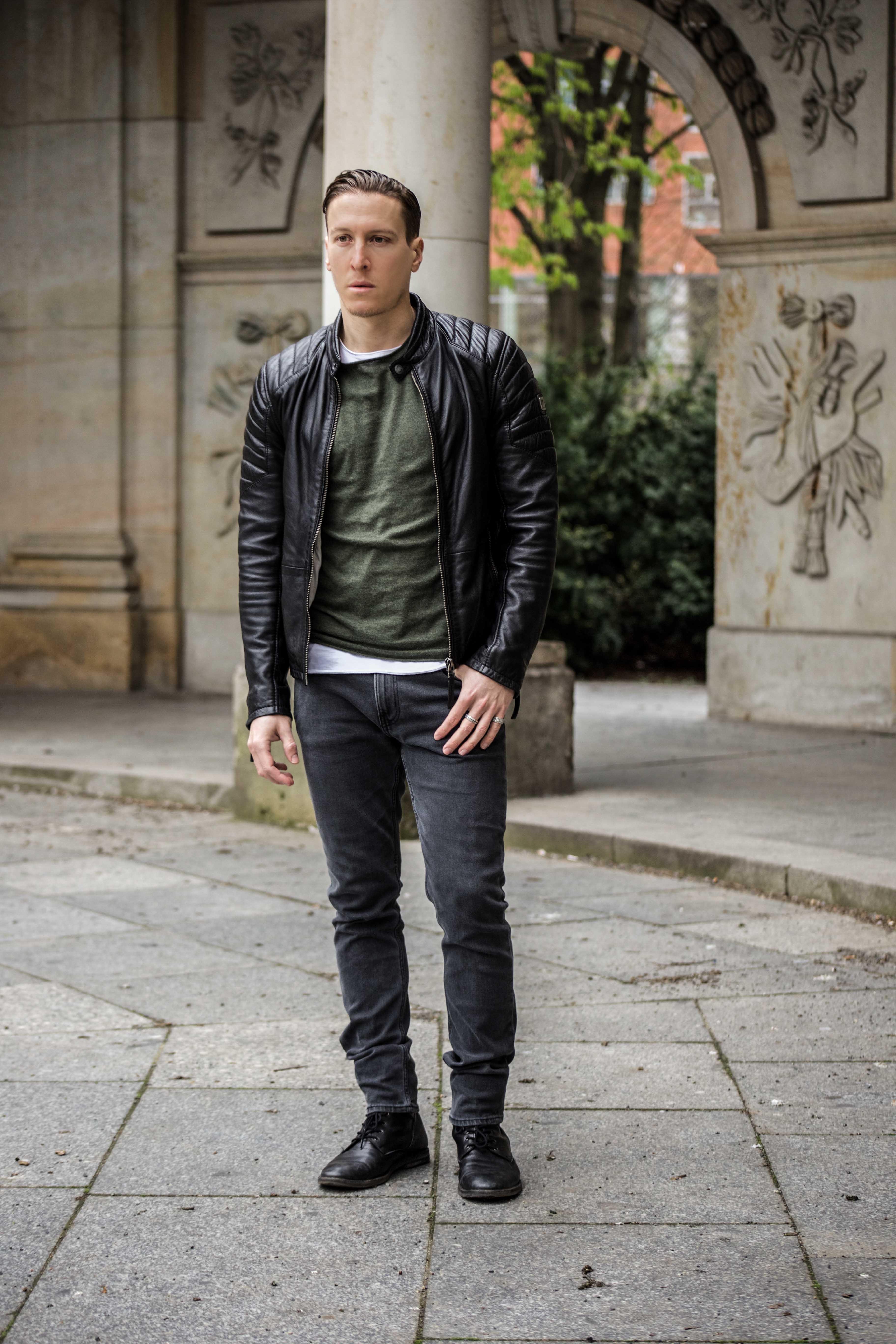 lederjacke-gipsy-frühlingslook-fashion-modeblog-grünes-sweatshirt_6105