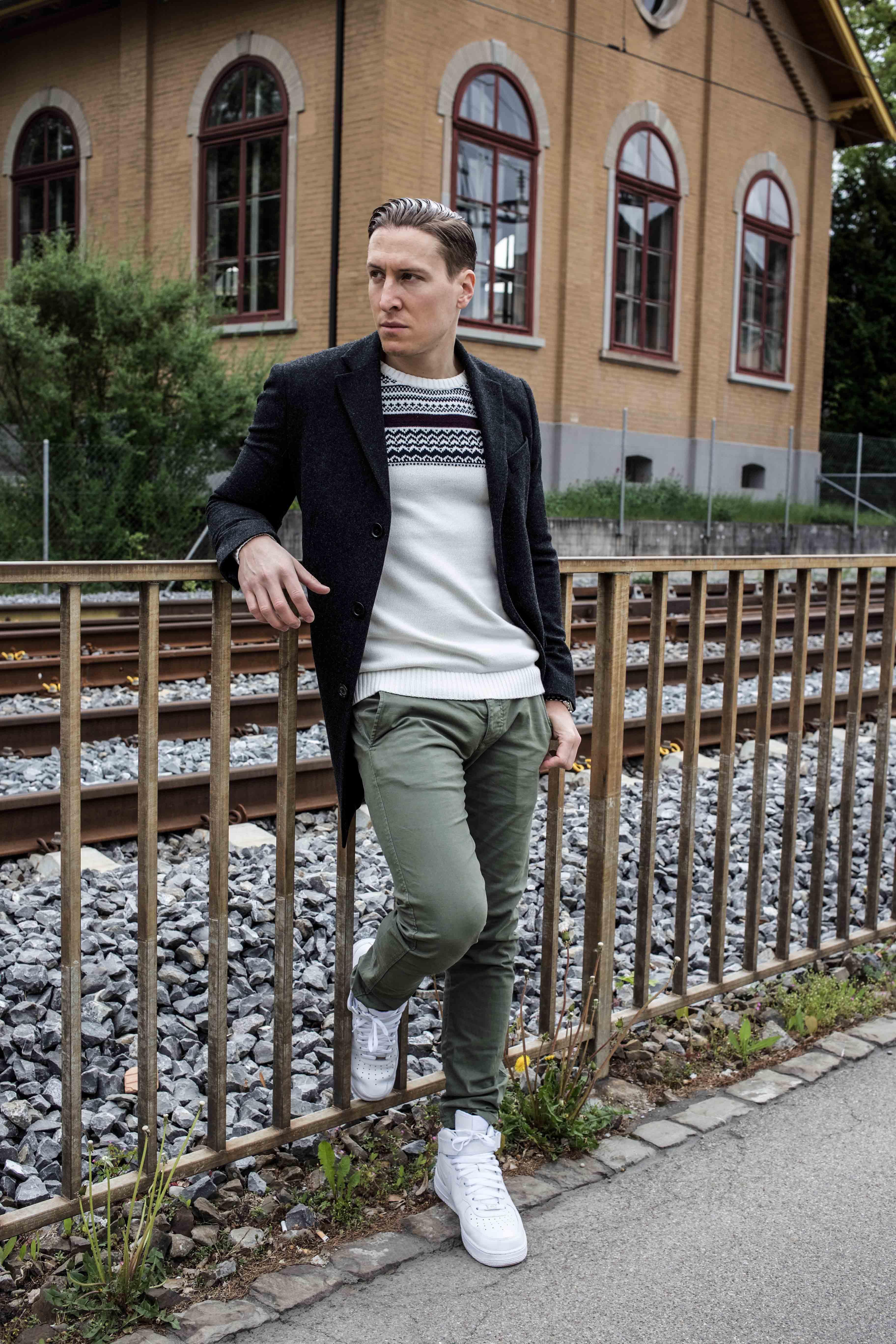 Erstaunlich Grauer Mantel Kombinieren Ideen Von Streetstyle-zürich-zurich-nike-air-force-grüne-chino-grauer-mantel -männer-modedesign_7225