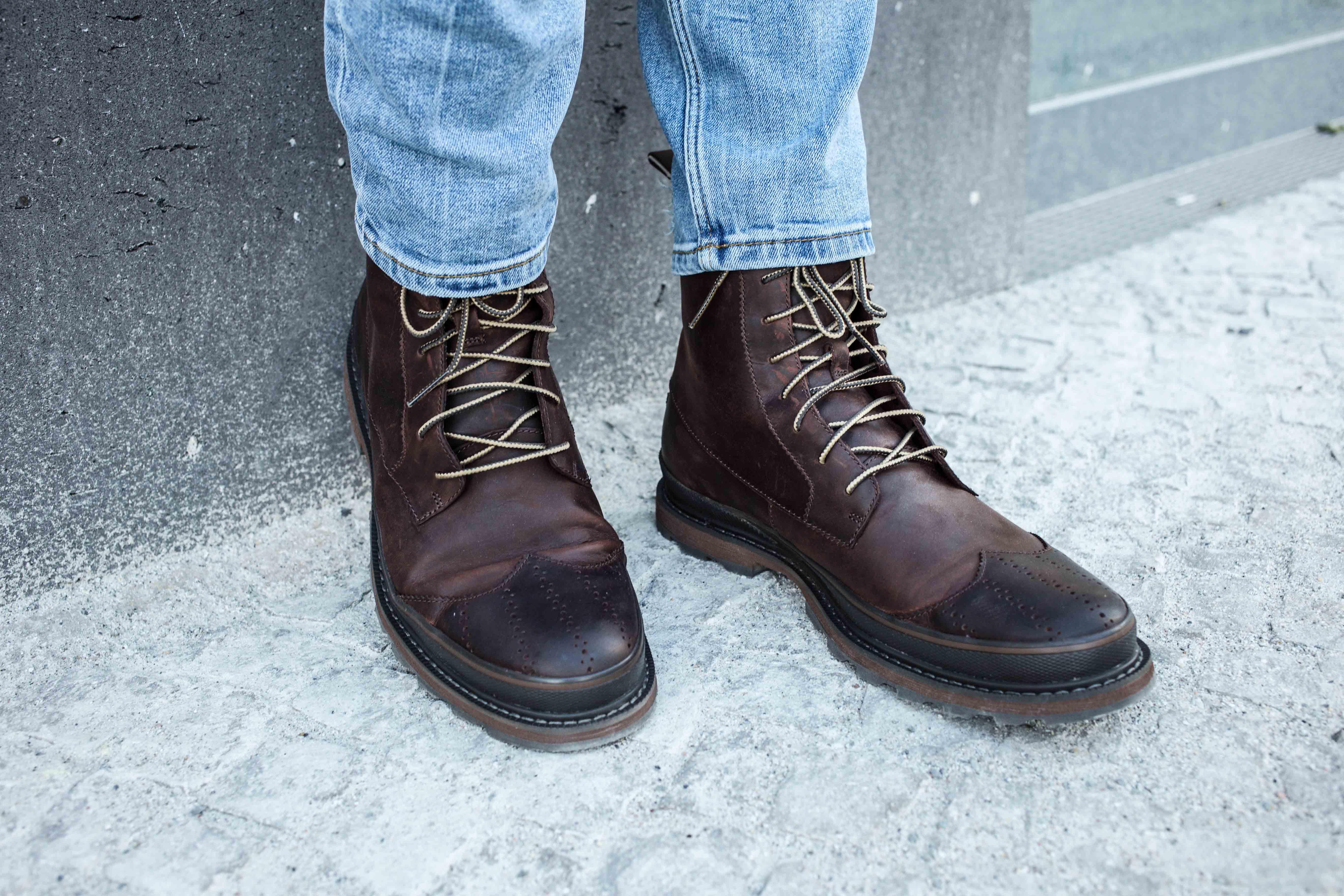 camouflage-braun-erdtöne-boots-ripped-jeans-männer-lifestyle-modeblog_6903