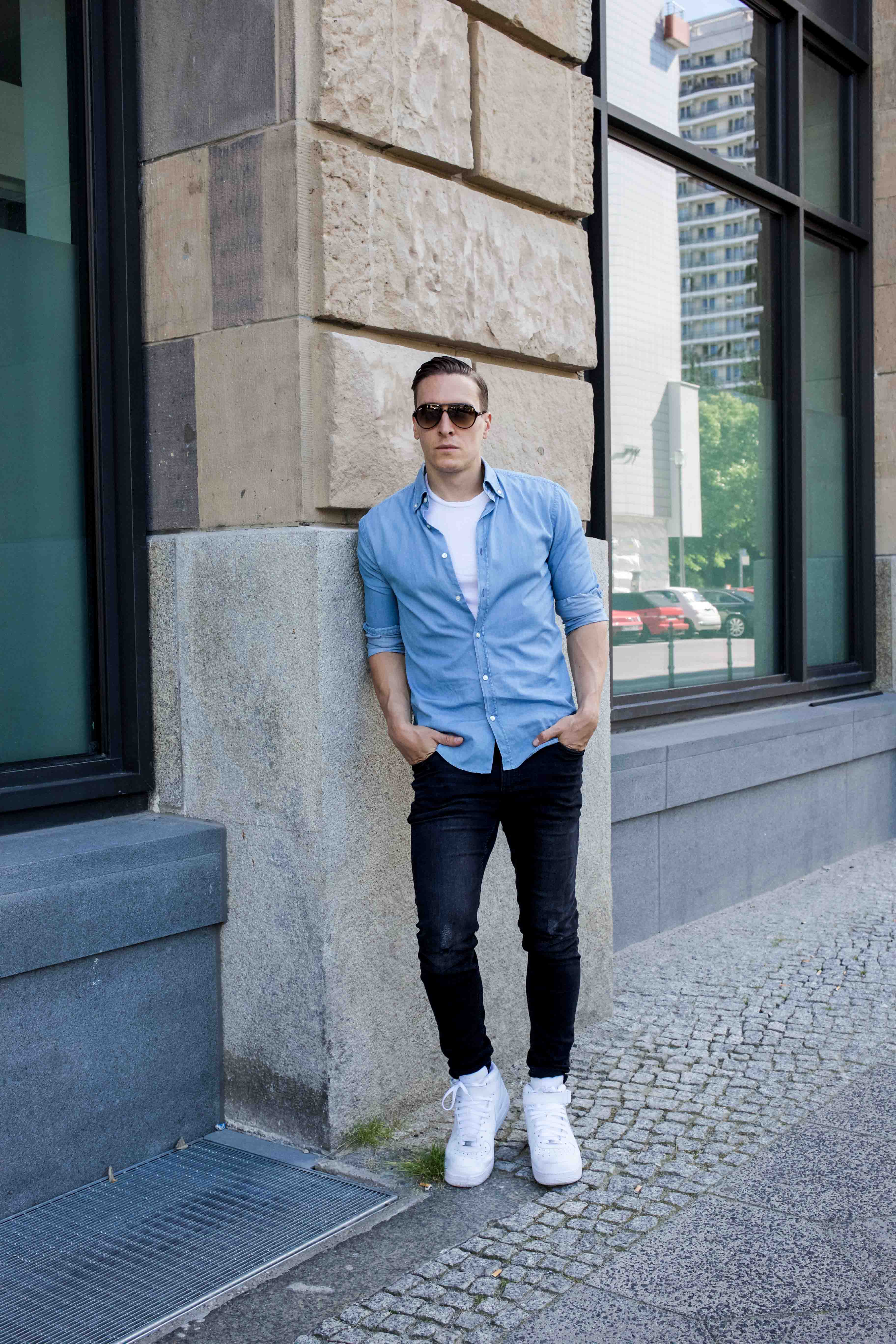 hellblaues-freizeitshirt-rayban-cats-destroyed-skinny-jeans-männerblog-menfashion-fashionblog_7815