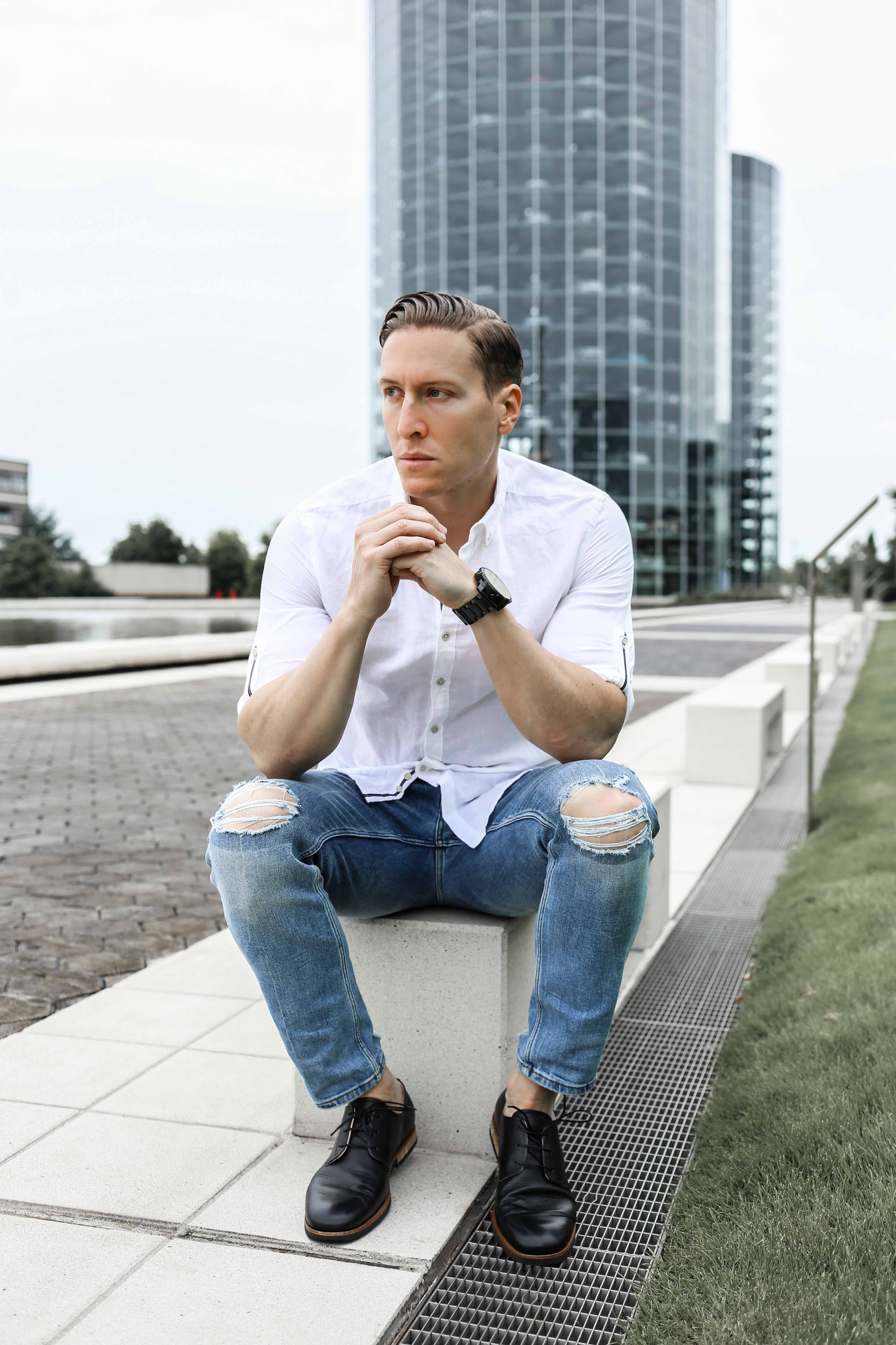 sommer-look-weißes-leinenhemd-ripped-blue-jeans-freizeit-lederschuhe-modeblog-männerblog_0465