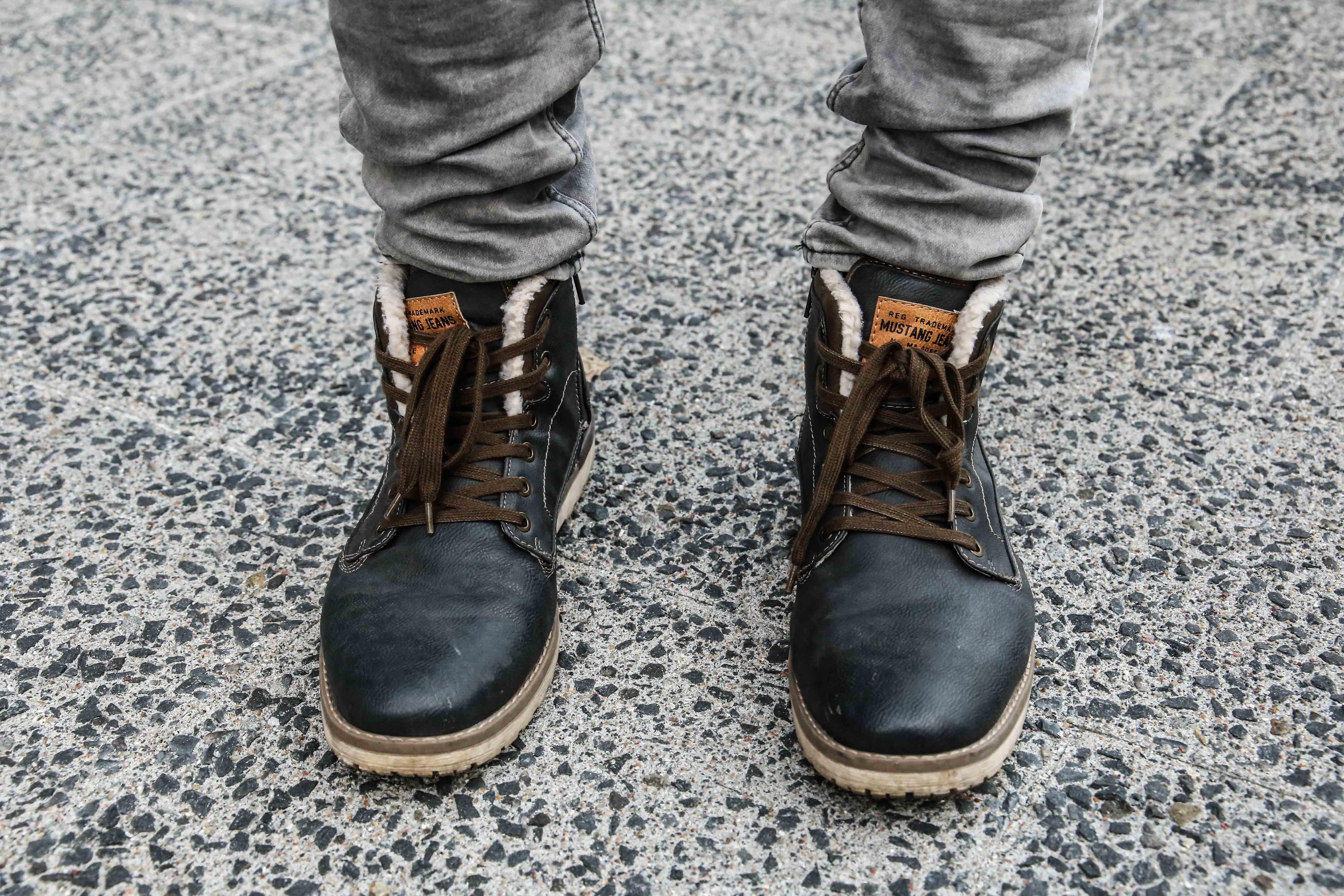 lässiger-herbstlook-graue-jeans-braunes-holzfällerhemd-modeblog-fashionblog-fashion-blogger-berlin_1673
