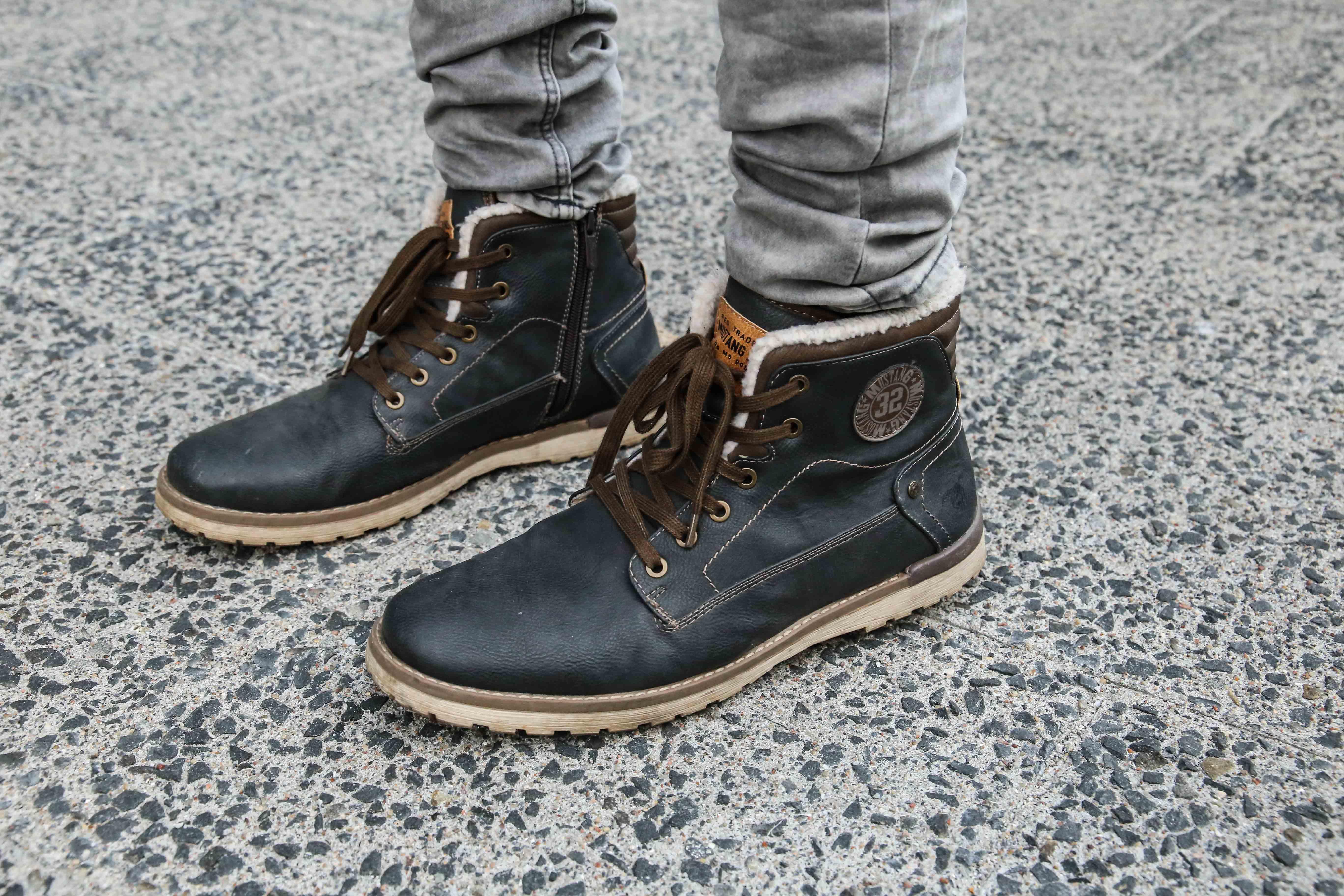 lässiger-herbstlook-graue-jeans-braunes-holzfällerhemd-modeblog-fashionblog-fashion-blogger-berlin_1677