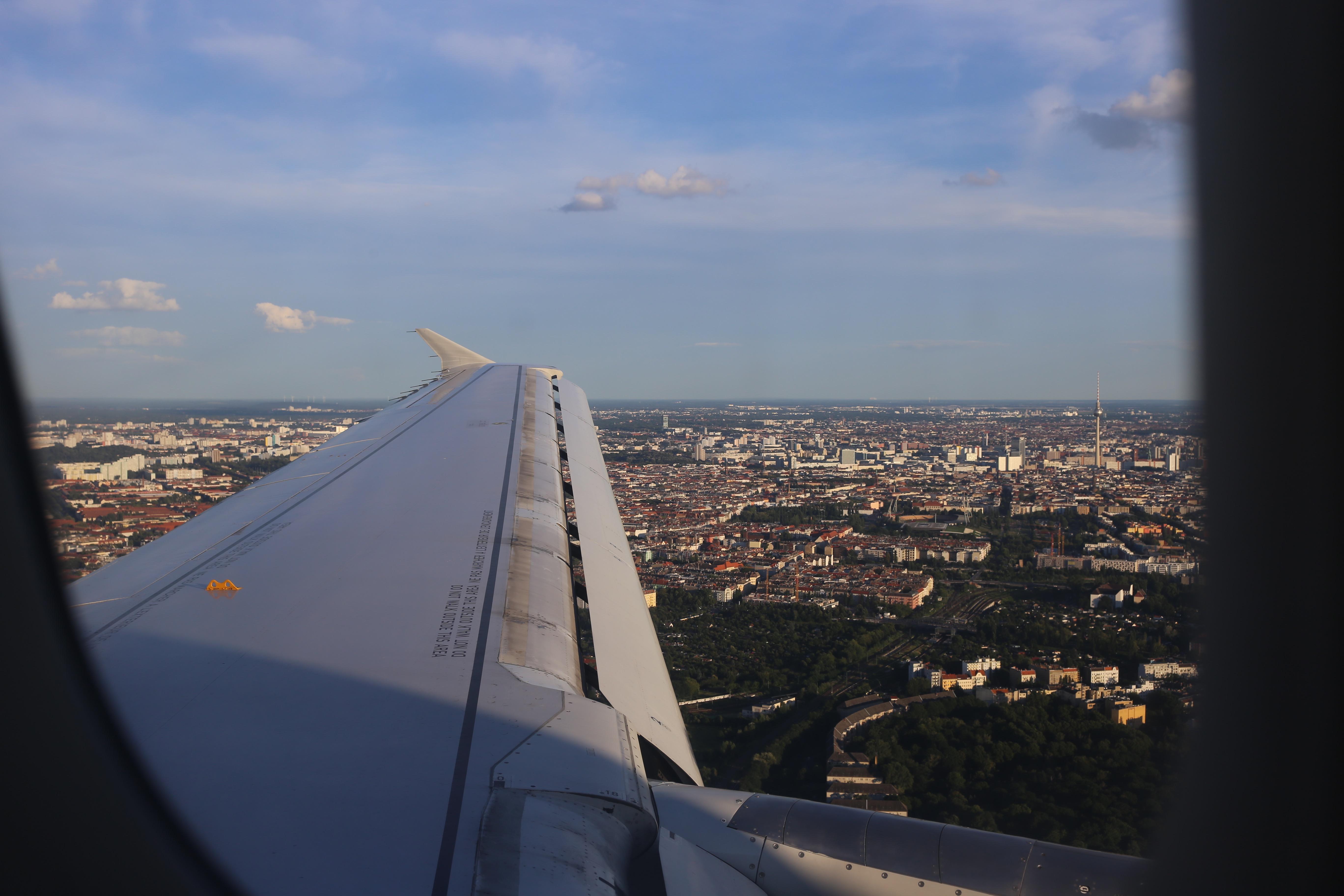 wochenende-in-paris-reiseblogger-tipps-reiseübelkeit-reisen-frankreich-flugzeug