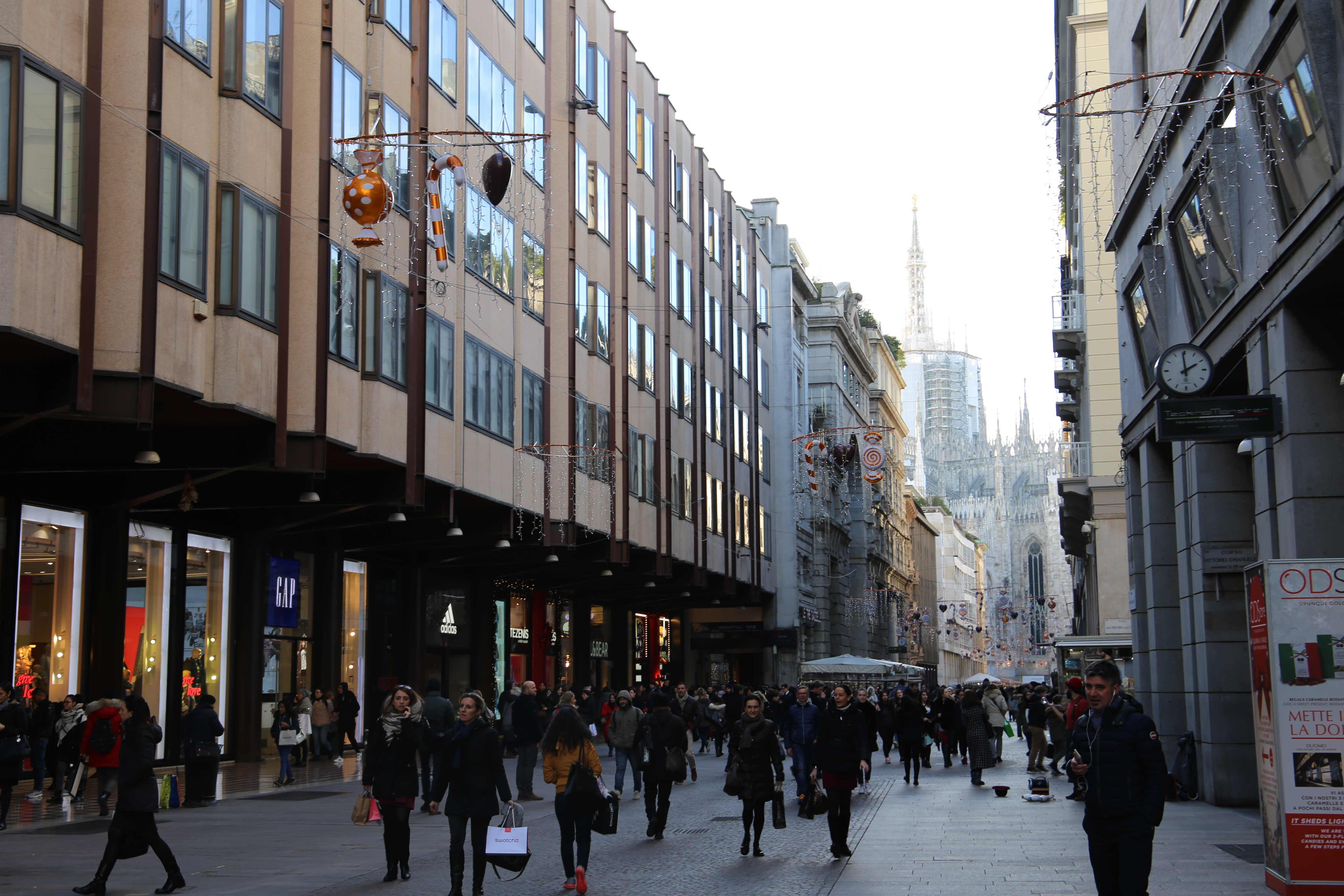 Corso_Vittorio_Emanuele_II_Mailand_Shoppen_Einkaufen_Weihnachten_Shopping_Guide