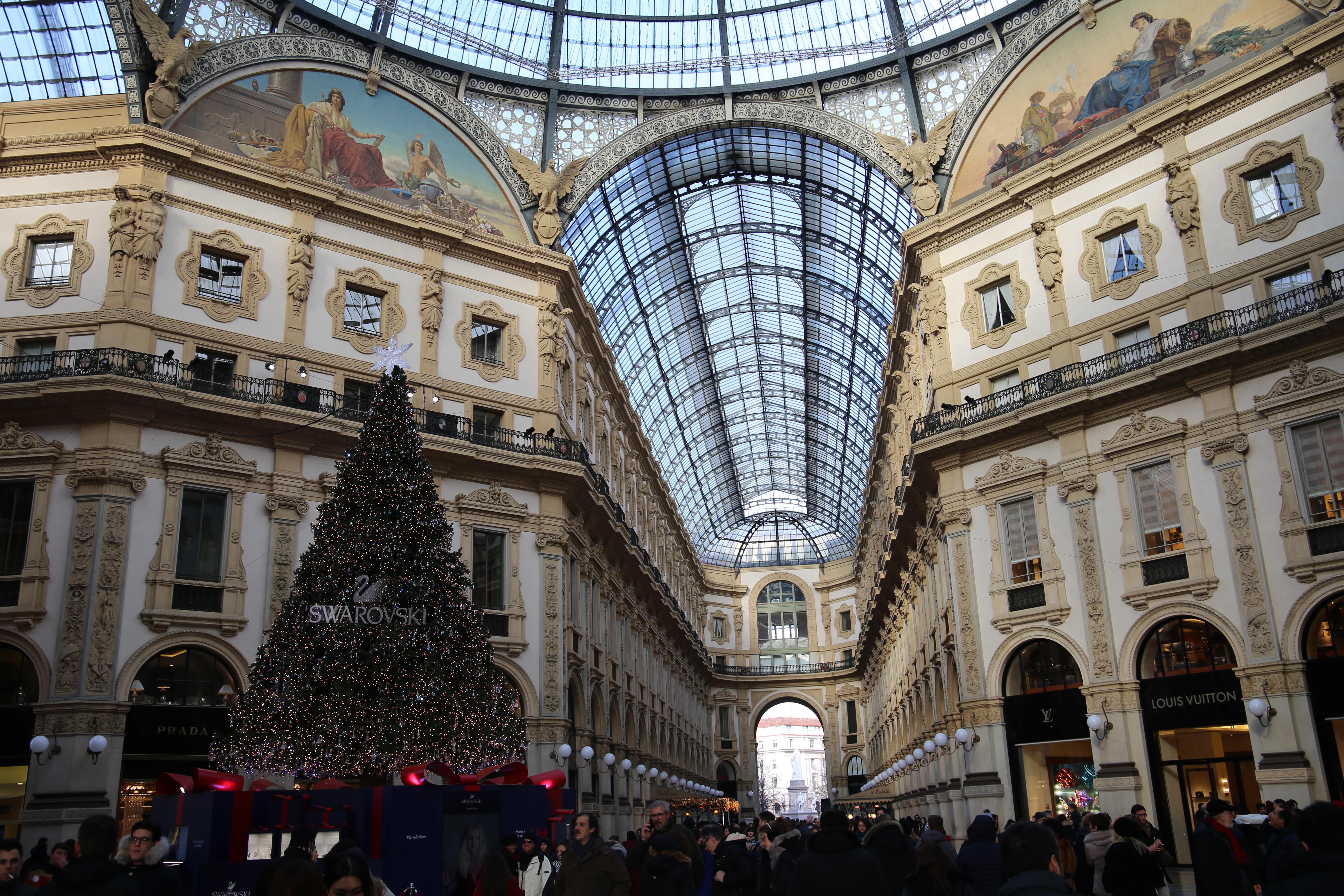 Galleria_Vittorio_Emanuele_II_Shoppen_Mailand_Viktor-Emanuel-Galerie_Milano_Weihnachten_Ottagono
