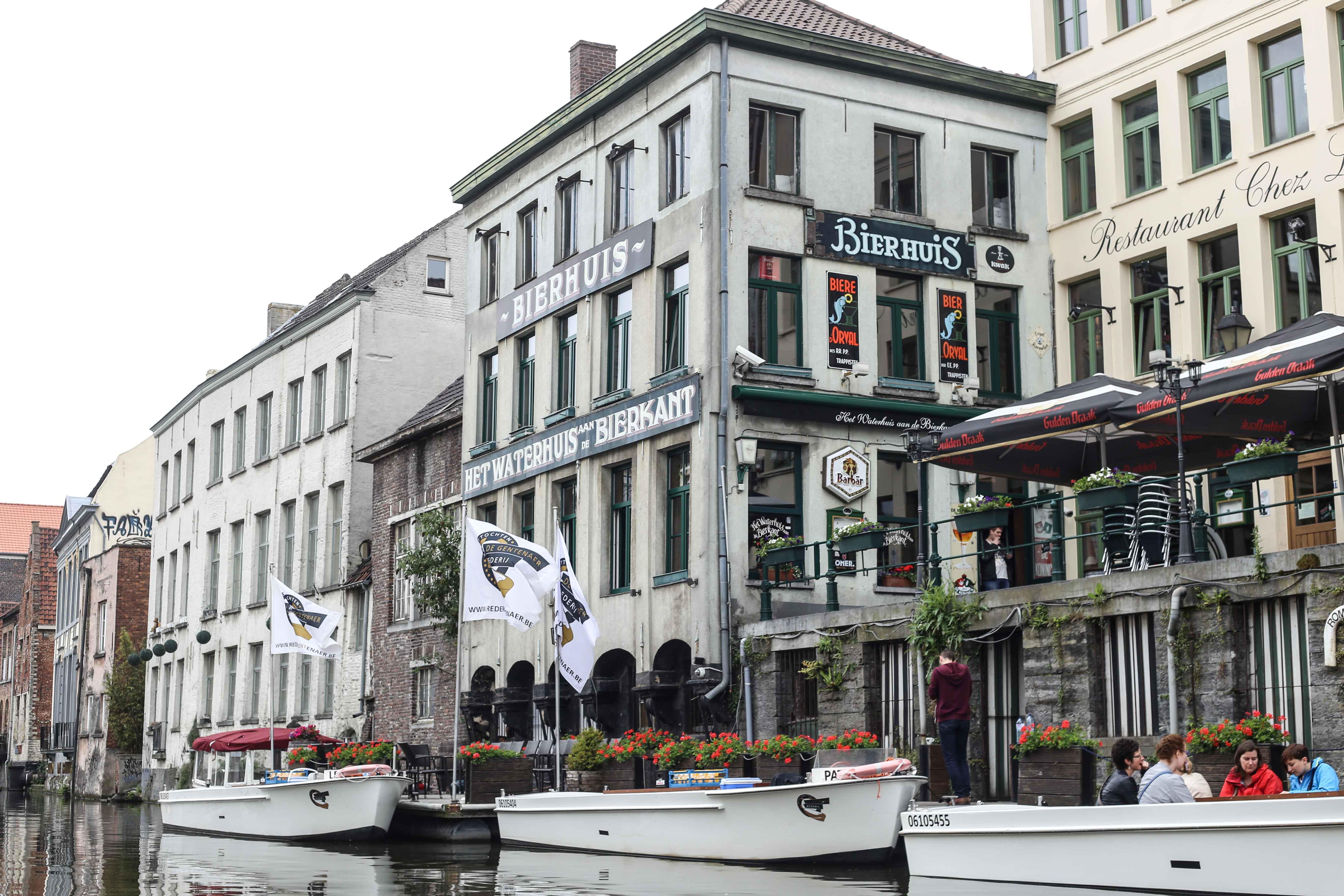Gent-Kurztrip-Empfehlung-Sehenswürdigkeiten-Kanäle-Reiseblog-Belgien-Bootsfahrt