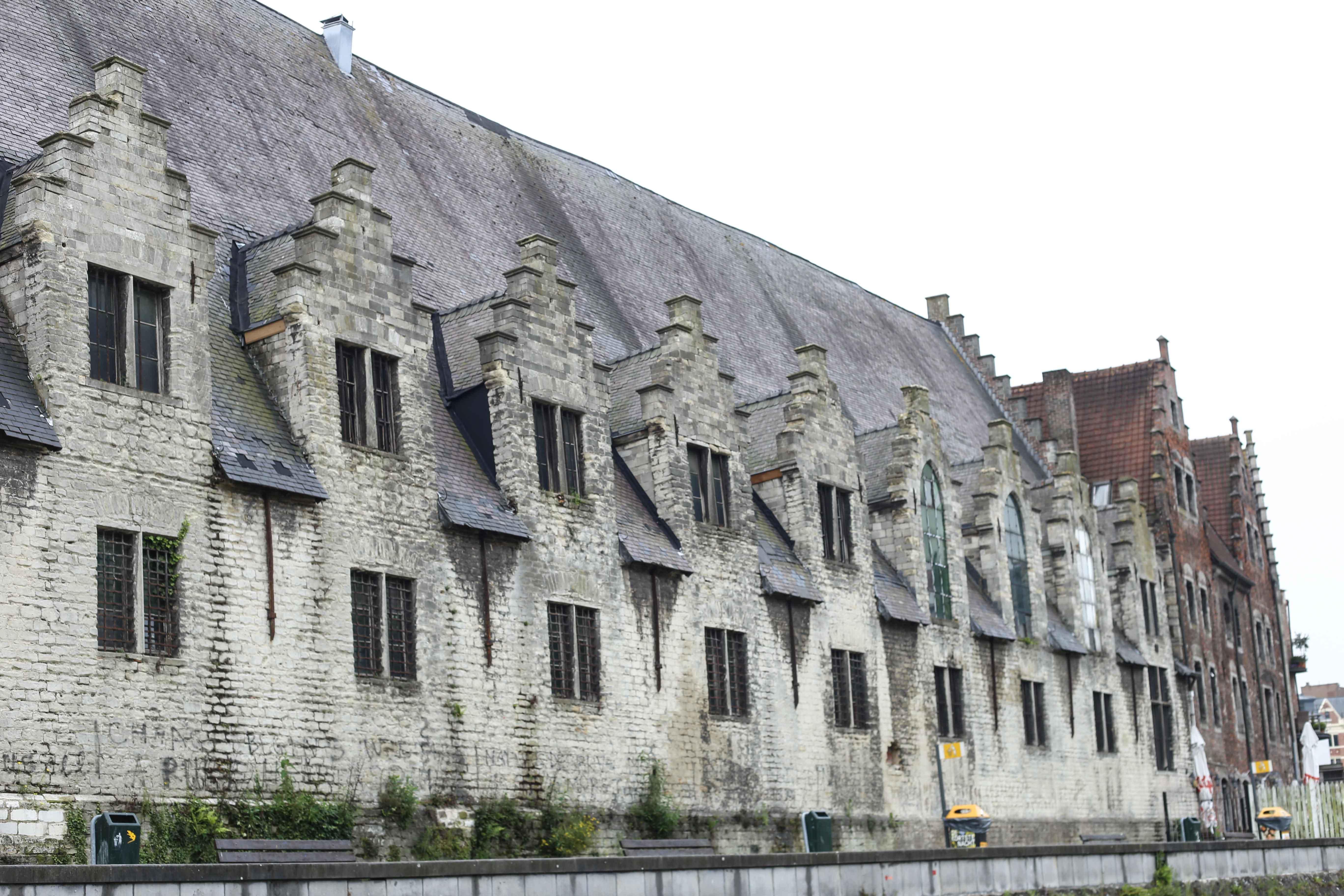 Gent-Kurztrip-Empfehlung-Sehenswürdigkeiten-Kanäle-Reiseblog-Belgien-große-fleischerhalle