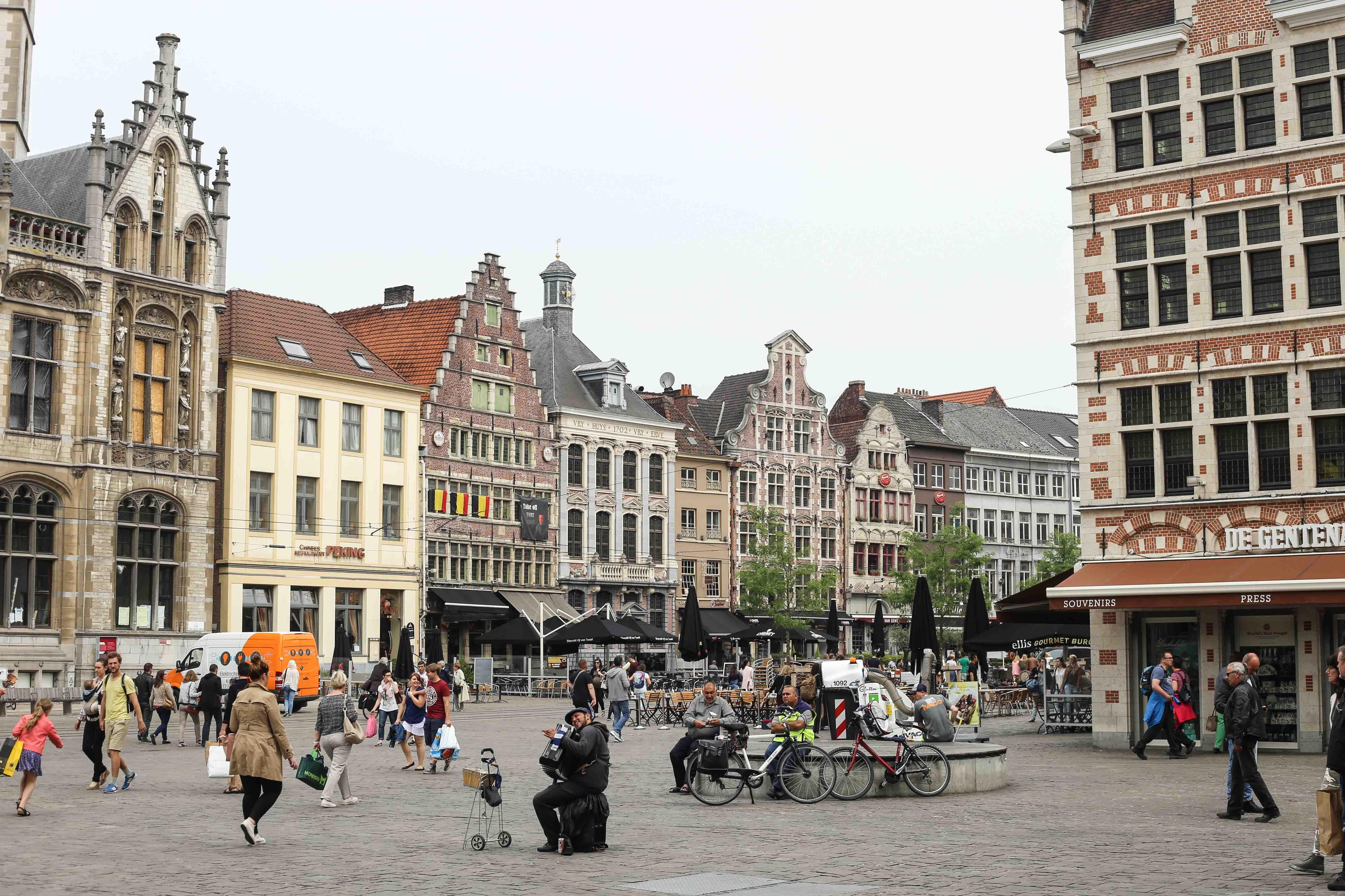 Gent-Kurztrip-Empfehlung-Sehenswürdigkeiten-Kanäle-Reiseblog-Belgien-Marktplatz