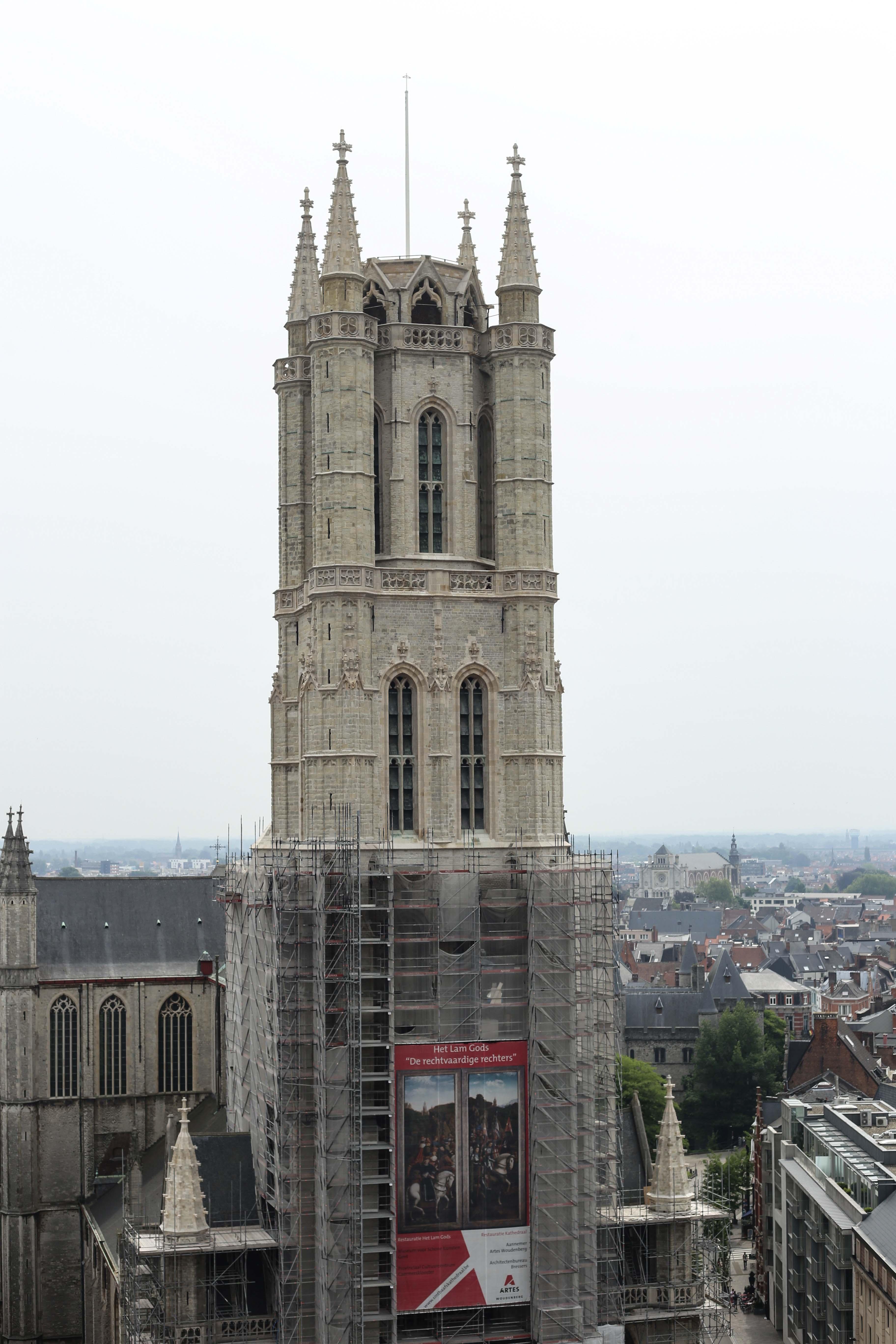 Gent-Kurztrip-Empfehlung-Sehenswürdigkeiten-Kanäle-Reiseblog-Belgien-st.bavo-kathedrale